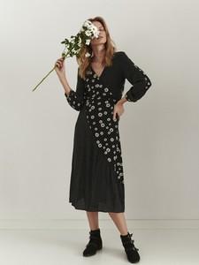 Czarna sukienka Top Secret z długim rękawem z tkaniny