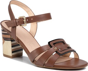 Brązowe sandały Loretta Vitale na średnim obcasie ze skóry na obcasie