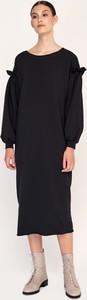 Czarna sukienka Byinsomnia z długim rękawem prosta