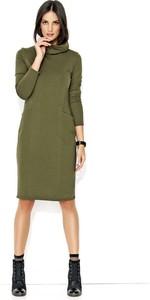 Zielona sukienka Makadamia midi z dresówki z golfem