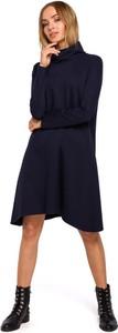 Granatowa sukienka Merg z golfem z długim rękawem