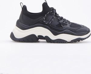 Buty sportowe Reserved sznurowane w sportowym stylu