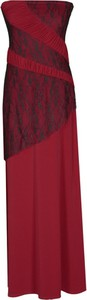 Czerwona sukienka Fokus rozkloszowana w stylu glamour bez rękawów