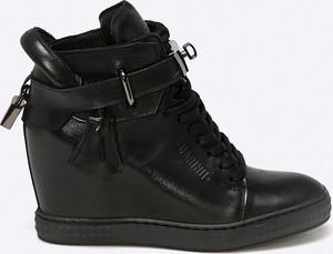 a065f7eabb5856 Sneakersy Carinii sznurowane na koturnie
