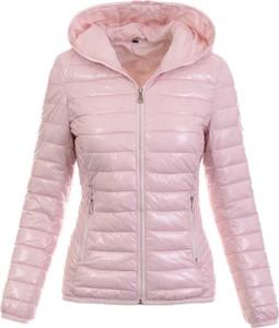 Różowa kurtka fasoni.pl krótka w stylu casual