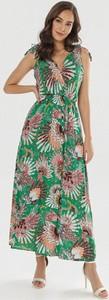 Zielona sukienka born2be w stylu boho maxi bez rękawów