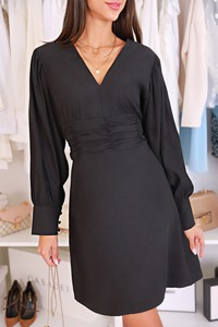 Czarna sukienka IVET z dekoltem w kształcie litery v z długim rękawem mini