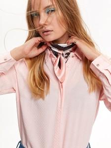 Różowa koszula Top Secret z kołnierzykiem z długim rękawem