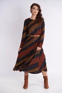 Sukienka Metafora rozkloszowana z długim rękawem
