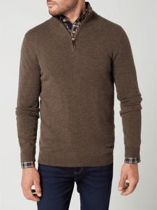 Brązowy sweter McNeal ze stójką