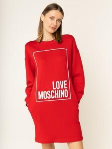 Czerwona sukienka Love Moschino z długim rękawem z okrągłym dekoltem