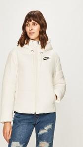 Kurtka Nike Sportswear w stylu casual z tkaniny krótka