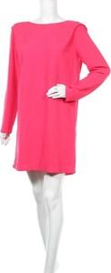 Różowa sukienka Storm & Marie z okrągłym dekoltem