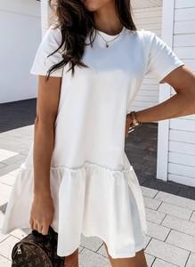 Sukienka Cikelly oversize z krótkim rękawem z okrągłym dekoltem
