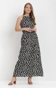 Sukienka born2be bez rękawów z okrągłym dekoltem maxi