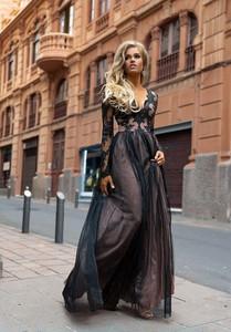 Sukienka Emo Sukienki z dekoltem w kształcie litery v maxi