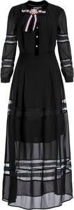 Czarna sukienka Silvian Heach z długim rękawem z żabotem