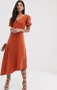 Pomarańczowa sukienka Asos Design z dekoltem w kształcie litery v midi