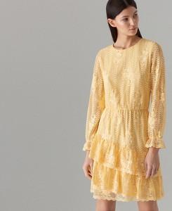 Żółta sukienka Mohito midi z długim rękawem