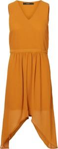 Pomarańczowa sukienka Vero Moda z dekoltem w kształcie litery v asymetryczna midi