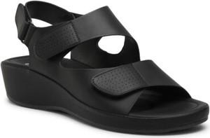 Czarne sandały Go Soft z klamrami