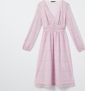 Różowa sukienka Mohito z dekoltem w kształcie litery v w stylu casual