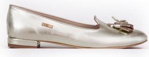 Złote baleriny Zapato z płaską podeszwą ze skóry w stylu casual