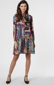 Sukienka Apriori z żabotem mini koszulowa