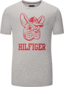 T-shirt Tommy Hilfiger z bawełny w młodzieżowym stylu z krótkim rękawem