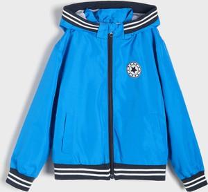Niebieska kurtka dziecięca Sinsay dla chłopców