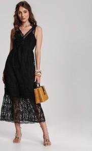 Sukienka Renee z dekoltem w kształcie litery v na ramiączkach