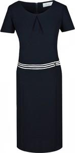 Granatowa sukienka Fokus z tkaniny midi z krótkim rękawem