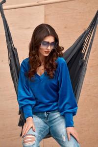 Niebieska bluzka Roco Fashion z dekoltem w kształcie litery v w stylu casual z weluru