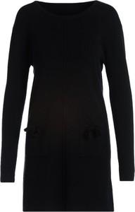Czarna sukienka Multu z długim rękawem w stylu casual