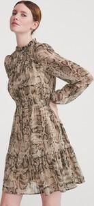 Brązowa sukienka Reserved z długim rękawem mini w stylu casual
