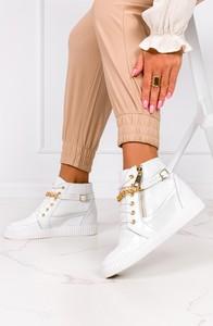 Buty sportowe Casu ze skóry sznurowane