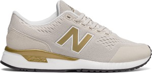 dfb5ba7b48b663 Beżowe buty damskie New Balance, kolekcja lato 2019