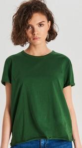 Zielony t-shirt Cropp z okrągłym dekoltem w stylu casual
