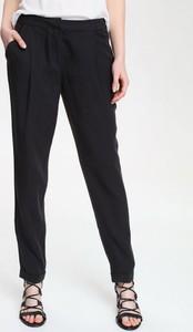 Czarne spodnie Top Secret z tkaniny