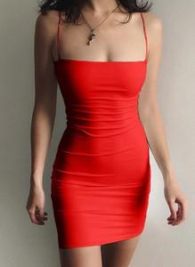 Czerwona sukienka Sandbella bodycon mini bez rękawów