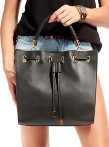 Czarna torebka Rovicky średnia matowa w wakacyjnym stylu