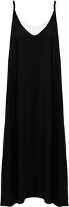 Czarna sukienka Be z dekoltem w kształcie litery v