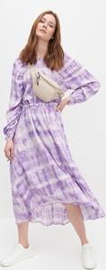 Sukienka Reserved midi z dekoltem w kształcie litery v z długim rękawem