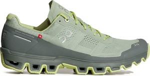 Buty sportowe On Running z płaską podeszwą w sportowym stylu sznurowane