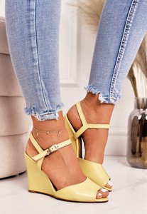 Żółte sandały Laura Messi ze skóry