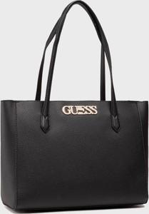 Czarna torebka Guess w stylu glamour ze skóry