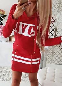 Czerwona sukienka Arilook w stylu casual z długim rękawem mini