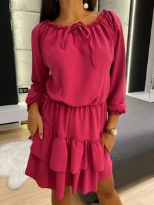 Różowa sukienka ModnaKiecka.pl z długim rękawem