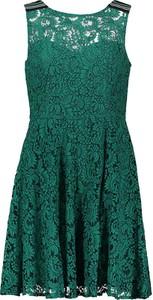Zielona sukienka Naf naf mini bez rękawów rozkloszowana