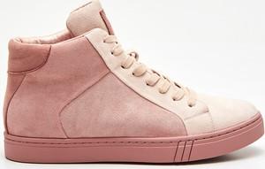 Sneakersy Cropp w sportowym stylu wysokie sznurowane